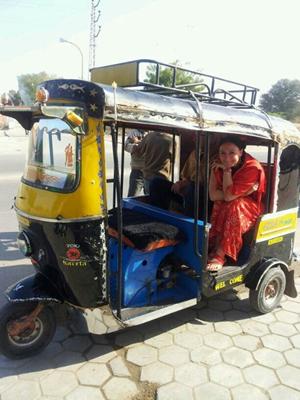 Eines der Hauptverkehrsmittel in der Hauptstadt Delhi - Motorrickshaw