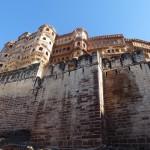 Gigantisches Fort hoch auf dem Fels