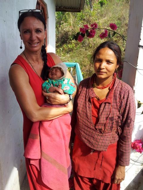 News im Dorf:  Familienzuwachs bei Susila und Keshav, ihr zweites Baby (der ersehnte Junge!)