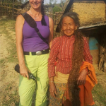 ... das Haar der Dorffrau ist 1,20 m lang!