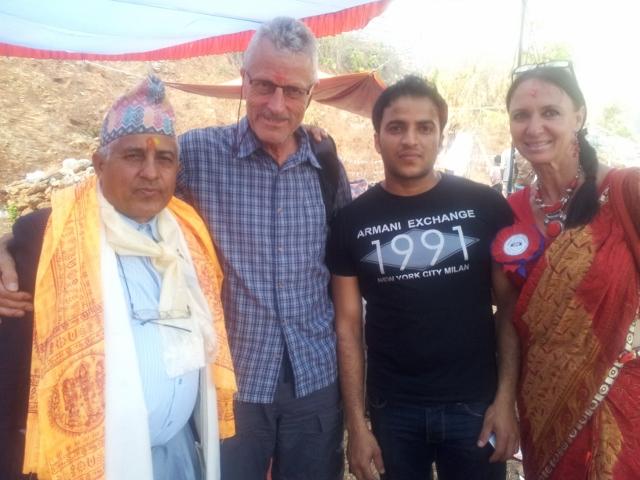 Mit einem Spender aus Kathmandu ...
