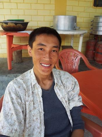 Dies ist unser Mathelehrer Kunsang, welcher auch ein hervorragender Musiker ist