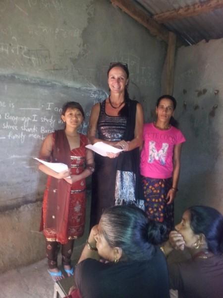 """Ambika, eine der""""Female volonteer helpers"""""""