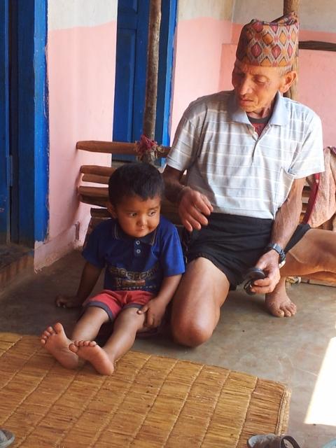 Opa mit dem ältesten Sohn