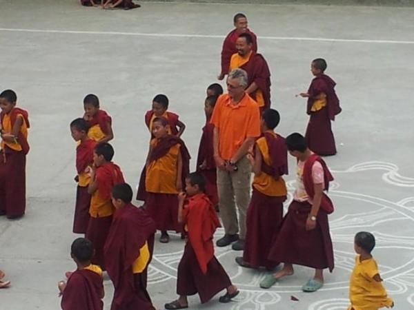 Schiedsrichter Herbert, die Mönche vor der Rasur ...